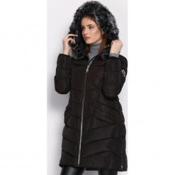 Czarna Kurtka Kindled. Czarne kurtki damskie Born2be, na zimę, l, z aplikacjami. Za 189,99 zł.