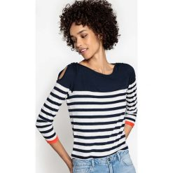 Bluzki asymetryczne: Bluzka w paski, odkryte ramiona