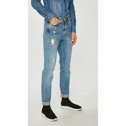 Noisy May - Jeansy Kim. Niebieskie proste jeansy damskie marki Noisy May. W wyprzedaży za 179,90 zł.