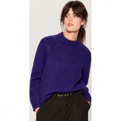 Sweter z wełną - Fioletowy. Fioletowe swetry klasyczne damskie marki Mohito, l, z wełny. Za 149,99 zł.