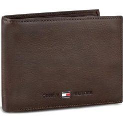 Duży Portfel Męski TOMMY HILFIGER - Johnson Cc Flap And Coin Pocket AM0AM00660/82566 041. Brązowe portfele męskie TOMMY HILFIGER, z nubiku. Za 299,00 zł.