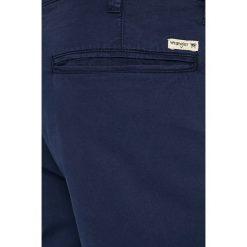 Wrangler - Szorty. Brązowe szorty męskie Wrangler, z bawełny, casualowe. W wyprzedaży za 169,90 zł.