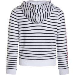 Abercrombie & Fitch CORE  Bluza rozpinana white. Białe bluzy dziewczęce rozpinane Abercrombie & Fitch, z bawełny. Za 169,00 zł.