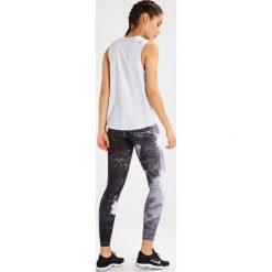 Nike Performance Koszulka sportowa pure platinum. Szare topy sportowe damskie marki Nike Performance, xl, z elastanu. W wyprzedaży za 125,30 zł.