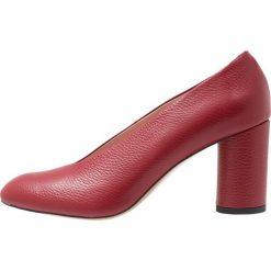 L37 LUNA Czółenka red. Czarne buty ślubne damskie marki L'INTERVALLE, z materiału. Za 569,00 zł.