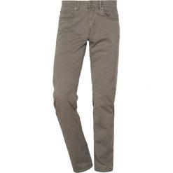 Baldessarini Jeansy Slim Fit light brown. Brązowe jeansy męskie relaxed fit marki Baldessarini. Za 419,00 zł.