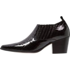 E8 BY MIISTA ESTER Ankle boot black. Czarne botki damskie na zamek E8 BY MIISTA, z materiału. Za 589,00 zł.