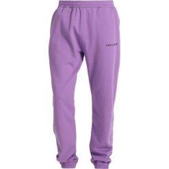 Spodnie dresowe męskie: Soulland DENT DRAWSTRING Spodnie treningowe violet
