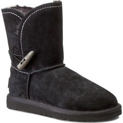 Buty UGG - W Meadow 1008043 Blk. Szare buty zimowe damskie marki Ugg, z materiału, z okrągłym noskiem. W wyprzedaży za 759,00 zł.