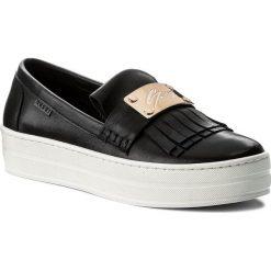 Sneakersy NESSI - 18314 Czarny 912. Czarne sneakersy damskie marki Nessi, z materiału, na obcasie. W wyprzedaży za 199,00 zł.