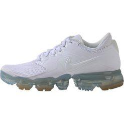 Nike Performance AIR VAPORMAX  Obuwie do biegania treningowe white/metallic silver. Białe buty do biegania damskie Nike Performance, z materiału. W wyprzedaży za 487,20 zł.