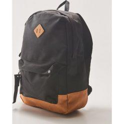 Plecak z ozdobną taśmą - Czarny. Czarne plecaki męskie House. Za 79,99 zł.