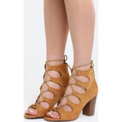 Camelowe Sandały I'll Be There. Brązowe sandały damskie na słupku marki Born2be, z materiału, na wysokim obcasie. Za 54,99 zł.