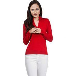 Sweter w kolorze czerwonym. Czerwone swetry klasyczne damskie marki Vincenzo Boretti, m, z dzianiny, ze stójką. W wyprzedaży za 130,95 zł.