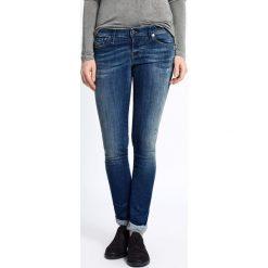 Diesel - Jeansy Skinzee-Low. Jeansy damskie rurki marki Diesel, z aplikacjami, z bawełny, z obniżonym stanem. W wyprzedaży za 299,90 zł.