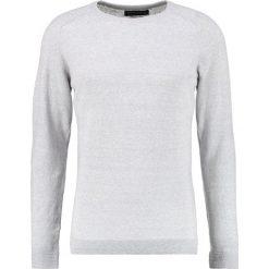 Swetry męskie: Jack & Jones JPRIBE Sweter cool grey melange