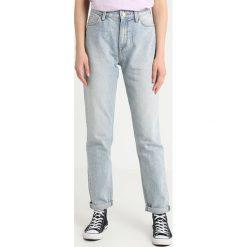 Lee MOM STRAIGHT Jeansy Straight Leg moonstone. Szare jeansy mom damskie Lee. Za 379,00 zł.