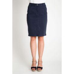 Granatowa spódnica przed kolano QUIOSQUE. Szare spódniczki dzianinowe QUIOSQUE, na lato, l, w paski. W wyprzedaży za 39,99 zł.