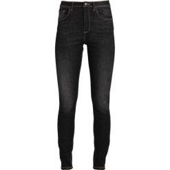 Benetton 5 POCKETS HIGH RISE Jeansy Slim Fit black. Czarne jeansy damskie marki Benetton, z bawełny. W wyprzedaży za 143,10 zł.