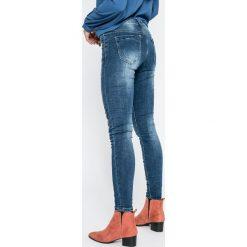 Haily's - Jeansy Geisha. Niebieskie jeansy damskie Haily's, z bawełny. W wyprzedaży za 129,90 zł.
