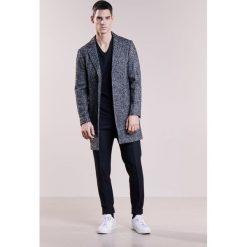 Płaszcze męskie: Club Monaco HERRINGBONE Krótki płaszcz black