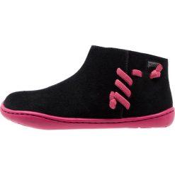 Camper PEU CAMI Botki black. Czarne buty zimowe damskie Camper, z materiału. W wyprzedaży za 207,35 zł.