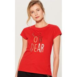 Koszulka z połyskującą aplikacją - Czerwony. Czerwone t-shirty damskie marki Mohito, l, z aplikacjami. Za 39,99 zł.