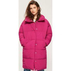 Płaszcz puffa z kołnierzem - Pomarańczo. Czerwone płaszcze damskie marki Sinsay, l. W wyprzedaży za 99,99 zł.