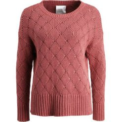 Swetry klasyczne damskie: Part Two IVIRRA Sweter dark rose melange
