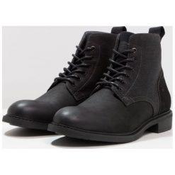 GStar WARTH MID Botki sznurowane black. Czarne botki męskie marki G-Star, z materiału, na sznurówki. W wyprzedaży za 447,85 zł.