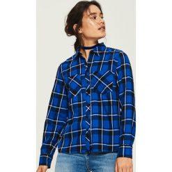 Koszula w kratę - Niebieski. Niebieskie koszule damskie Sinsay, l. W wyprzedaży za 39,99 zł.