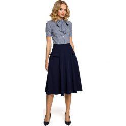 MAURELLE Rozkloszowana spódnica midi z kieszeniami - granatowa. Niebieskie spódnice wieczorowe Moe, s, midi, rozkloszowane. Za 109,99 zł.