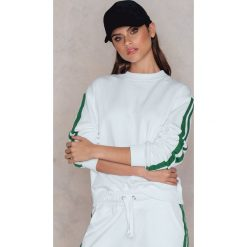 Bluzy damskie: NA-KD Trend Bluza basic z paskami – White