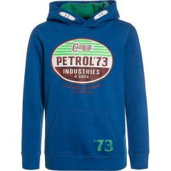 Petrol Industries HOODED Bluza z kapturem deep sea. Białe bluzy chłopięce rozpinane marki Petrol Industries, z bawełny. W wyprzedaży za 152,10 zł.