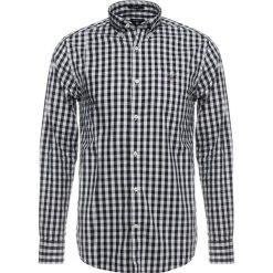 GANT OXFORD GINGHAM Koszula marine. Niebieskie koszule męskie GANT, m, z bawełny. Za 419,00 zł.