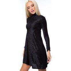 Sukienka prążkowana czarna MP62071. Czarne sukienki Fasardi, l, prążkowane. Za 59,00 zł.