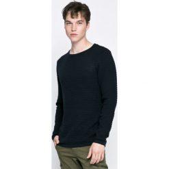 Dissident - Sweter. Czarne swetry klasyczne męskie Dissident, m, z bawełny, z okrągłym kołnierzem. W wyprzedaży za 34,90 zł.