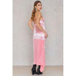 Sukienki: Ida Klamborn Sukienka Cruella – Pink