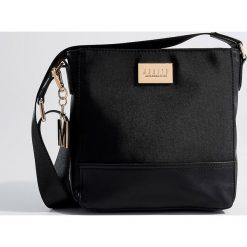 Torebka na ramię - Czarny. Czarne torebki klasyczne damskie Mohito. Za 99,99 zł.
