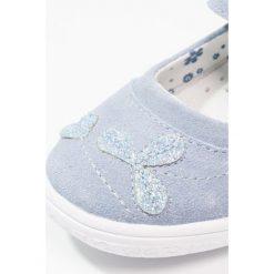 Friboo Baleriny z zapięciem light blue. Niebieskie baleriny dziewczęce Friboo, z materiału. Za 149,00 zł.