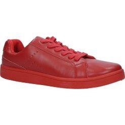 Czerwone buty sportowe sznurowane Casu URSA-51. Czarne buty sportowe damskie marki Casu. Za 29,99 zł.