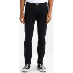Wrangler LARSTON Jeansy Slim Fit base blue. Szare jeansy męskie relaxed fit marki Wrangler, l, z poliesteru, z kapturem. Za 329,00 zł.