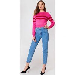 Trendyol Jeansy z wysokim stanem Mom - Blue. Niebieskie jeansy mom damskie marki Trendyol, z podwyższonym stanem. W wyprzedaży za 42,59 zł.