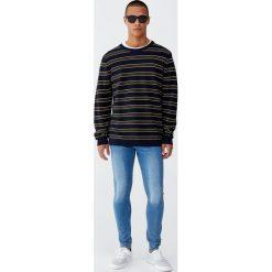 Niebieskie jeansy super skinny fit. Niebieskie jeansy męskie relaxed fit Pull&Bear. Za 69,90 zł.