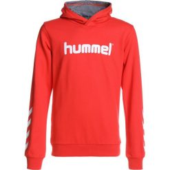Hummel HOODIE Bluza z kapturem fiery red. Czerwone bluzy chłopięce rozpinane marki Hummel, z bawełny, z kapturem. Za 149,00 zł.