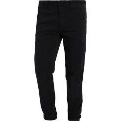 Spodnie męskie: Tommy Jeans ESSENTIAL Chinosy black