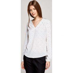 Wyjściowa Bluzka z Zakładkami przy Dekolcie - Wzór Ecru. Białe bluzki wizytowe Molly.pl, l, eleganckie, dekolt w kształcie v, z długim rękawem. Za 121,90 zł.