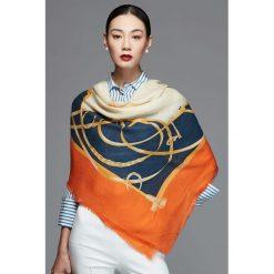 Chusty damskie: Chusta w kolorze pomarańczowym - (D)110 x (S)110 cm
