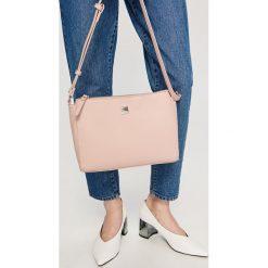 Torebki i plecaki damskie: Torebka na regulowanym pasku – Różowy