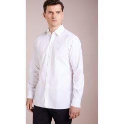 Hackett London PIECE DYED POPLIN SLIM FIT Koszula biznesowa white. Białe koszule męskie na spinki Hackett London, l, z bawełny. Za 459,00 zł.